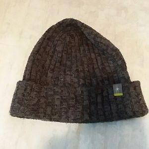 Smart wool grey/black winter hat